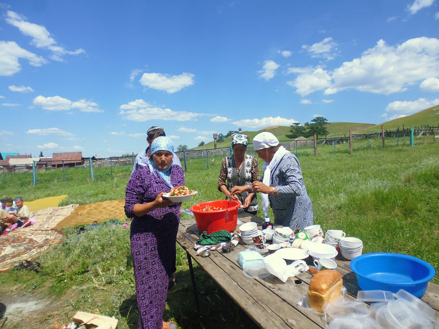Тупаҡ ауылы ҡатын-ҡыҙҙары
