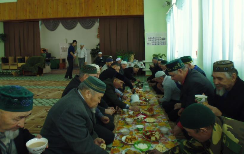 чаепитие после схода имамов